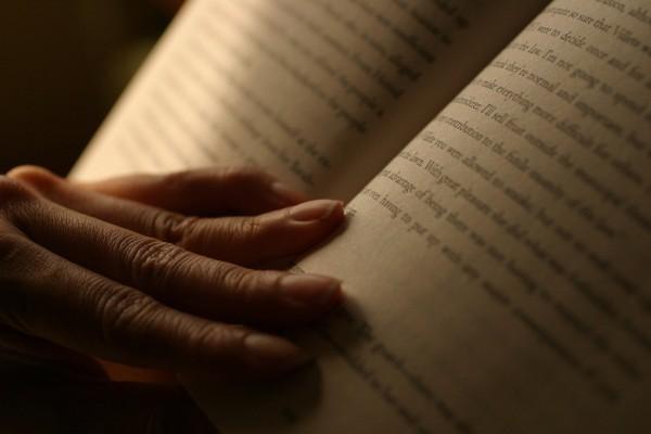 De mauvaises habitudes ou une mauvaise compréhension du processus de lecture peuvent diminuer votre vitesse ete votre compréhension.